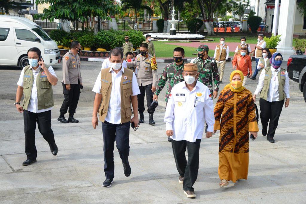 Ketua Satgas Penanganan COVID-19 Nasional Doni Monardo Mengunjungi Provinsi Gorontalo pada Rabu (7/10). (kanalbali/BNPB)